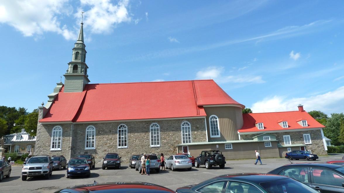 église toit ROUGE !!!!