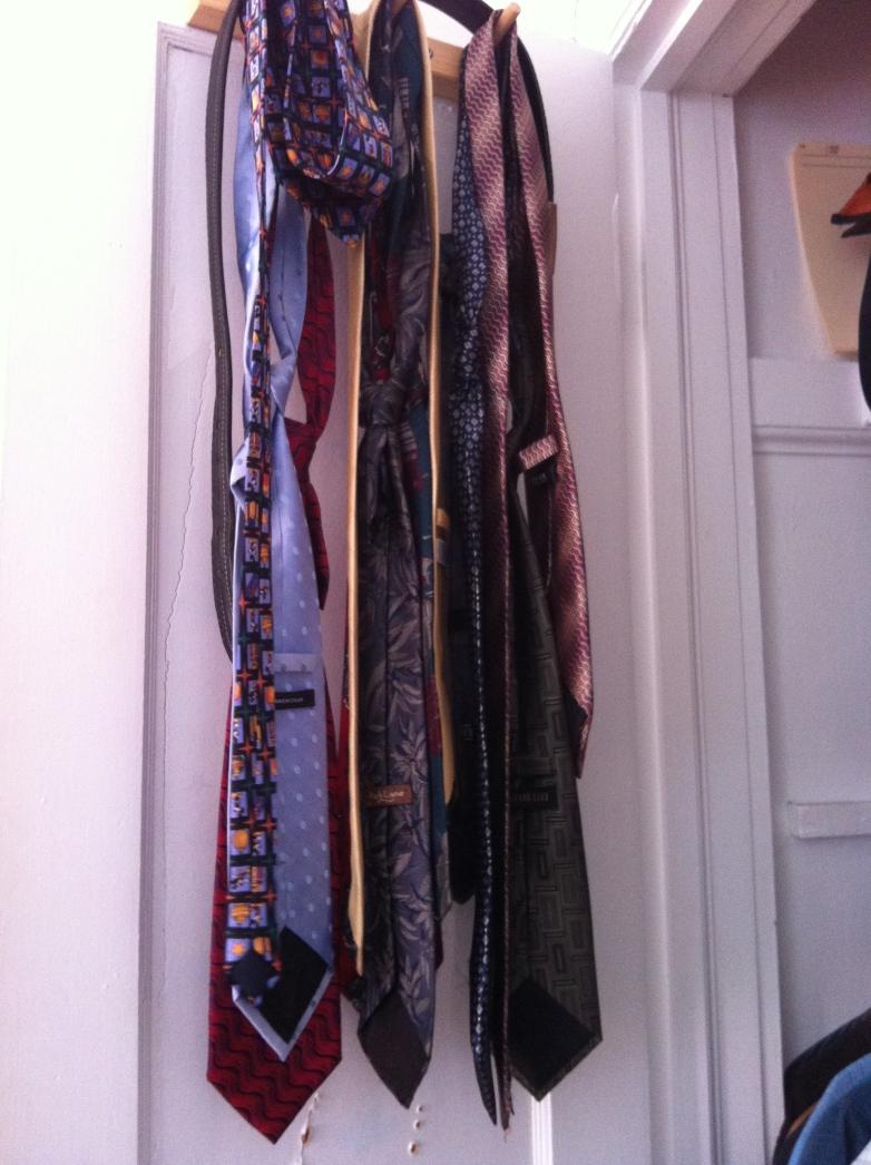 Deuxième armoires de cravates